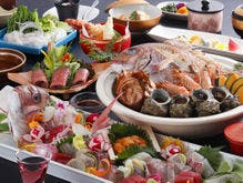 真鯛の姿造りや宝楽焼を含めた特選料理