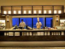 GOCOCU オープンキッチンとブッフェ台