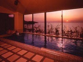 土肥温泉で露天風呂から海を見渡せる景色が良い温泉宿