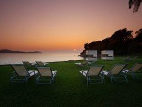 【夕日に染まる浜】夕陽の時間帯