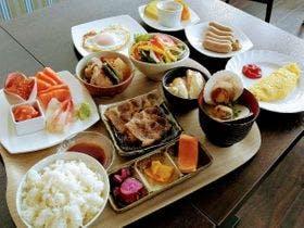 【スローフード朝食】和食プレート。