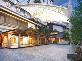 上諏訪温泉で素泊まりで地元の食べ歩きを楽しめる宿は?