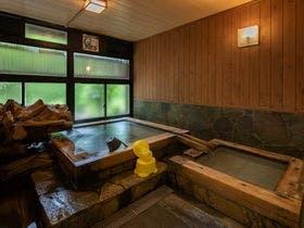 家族で黒川温泉に行きます。幼稚園児割引のある宿ってありますか?