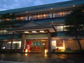 母との初めての二人旅、まったり過ごしたいので、和室で、食事も部屋だしOKな月岡温泉の宿に泊まりたい!