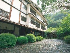 大井川鉄道でSLに乗ったあと、寸又峡温泉に泊まりたい!デート旅行におすすめな温泉宿は?