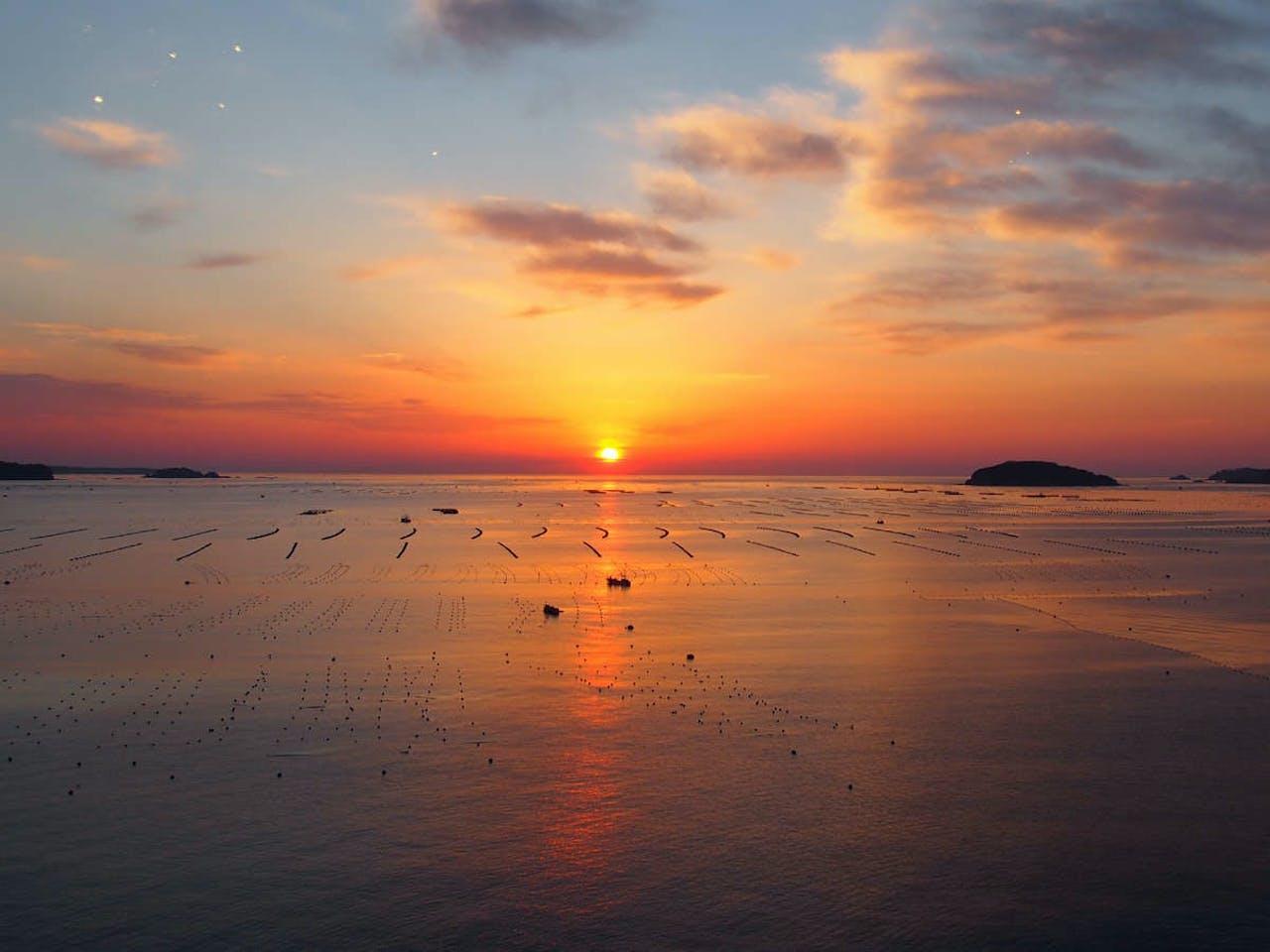 志津川湾から昇る日の出!