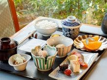 6F「日本料理 歌留多」の朝食イメージ
