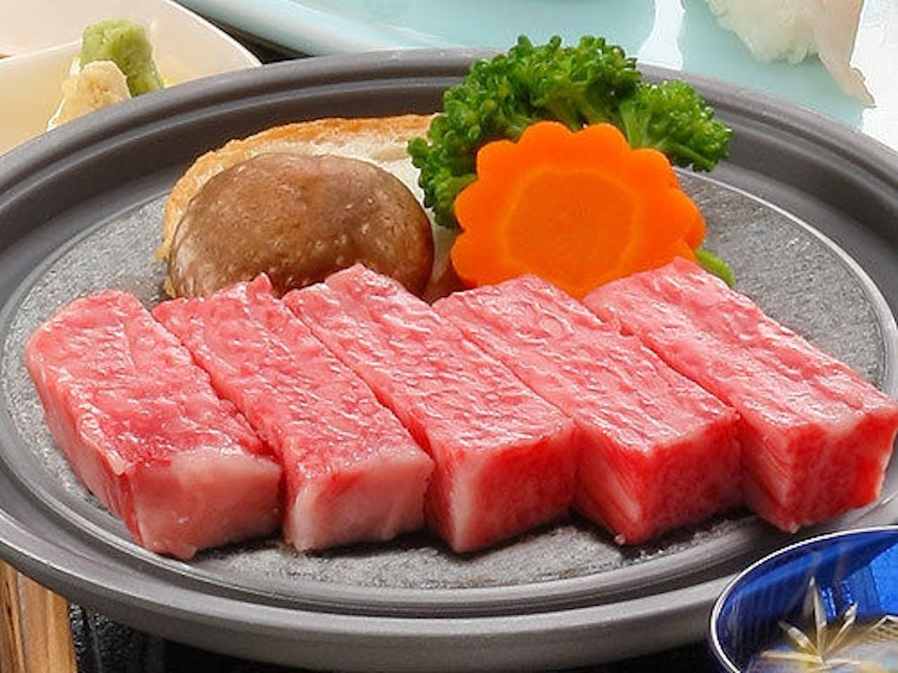 全国屈指の高級ブランド牛!米沢牛ステーキ
