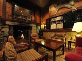 酸ヶ湯温泉のヒバ千人風呂に行ってみたい。近くのホテルは?