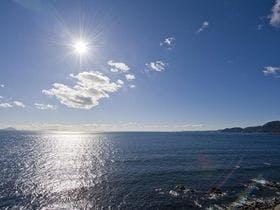稲取温泉で恋人と二人、海を見ながらゆっくりとできるお宿を探しています。
