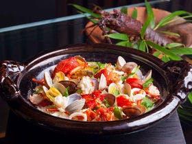 お料理の〆にお楽しみいただく土鍋ご飯。