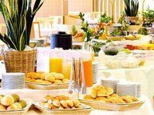 ■バイキング形式の朝食。