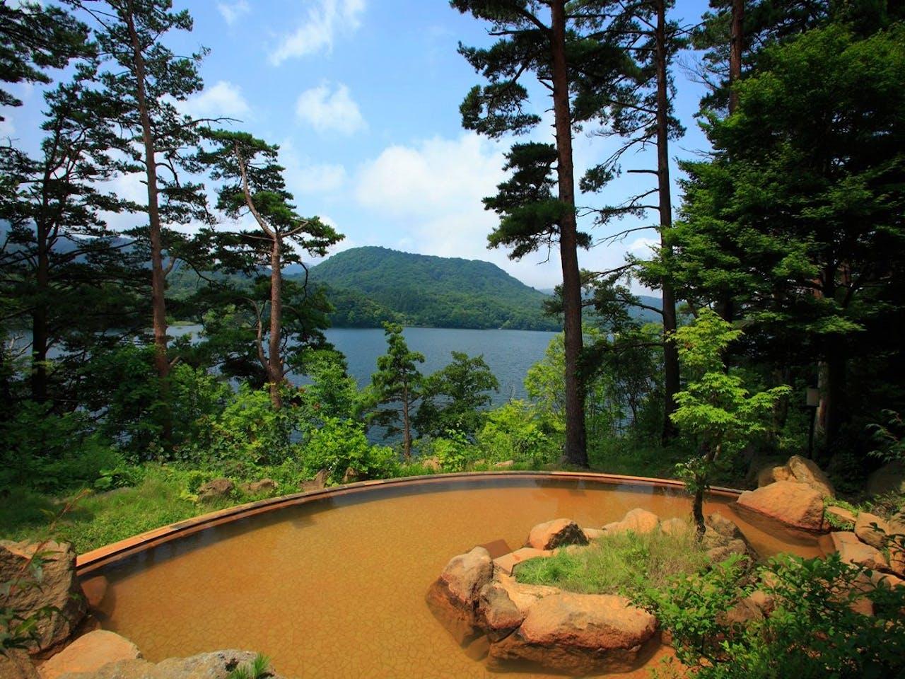 桧原湖一望の絶景露天
