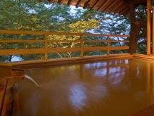 冬の伊香保温泉。宿で湯めぐりを楽しみたい