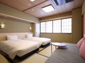 【1泊朝食付シンプルステイ】京豆腐やおばんざいを盛り込んだ料理旅館の朝ごはん