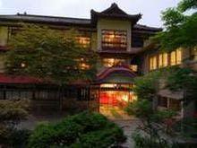 藤三旅館<BR>昭和16年築の趣ある玄関