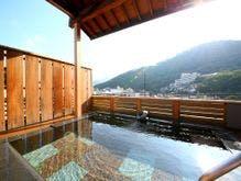 風情のある露天風呂と和室があって祖父母が喜ぶ戸倉上山田温泉の宿を教えてください!