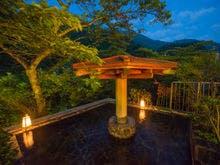 スキーが楽しめて露天風呂のある宇奈月温泉の宿を教えて