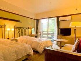 子どもの夏休みに草津温泉旅行。プールのあるホテルはありますか?