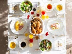ルームサーヴィス朝食