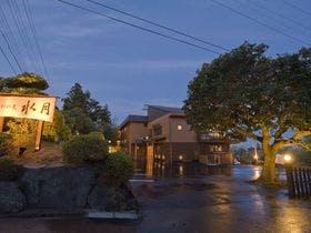 伊豆高原温泉で伊勢海老が食べられるカップルにおすすめの宿は?