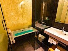 スタンダード部屋洗面台と浴室