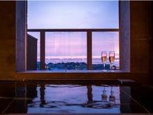 客室の展望温泉風呂