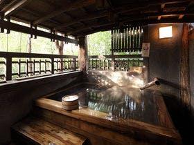 お正月に黒川温泉に行く予定ですが、和食の美味しい宿が知りたいです。