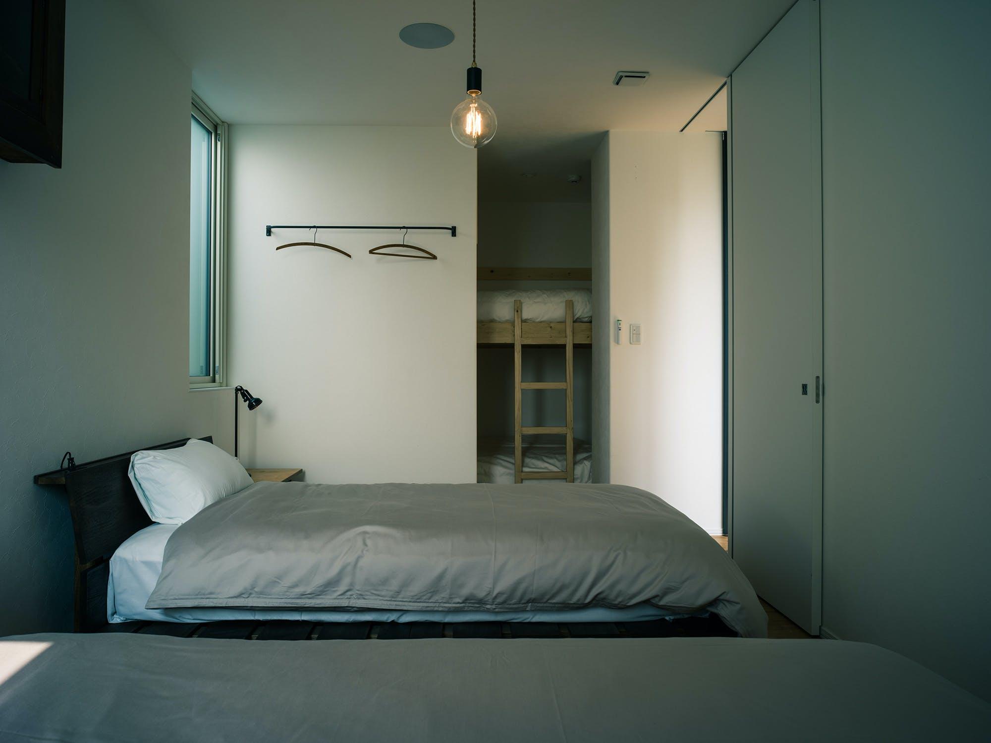 遊び心感じるこだわりの寝室