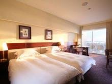 間接照明が優しい深くくつろげる寝室