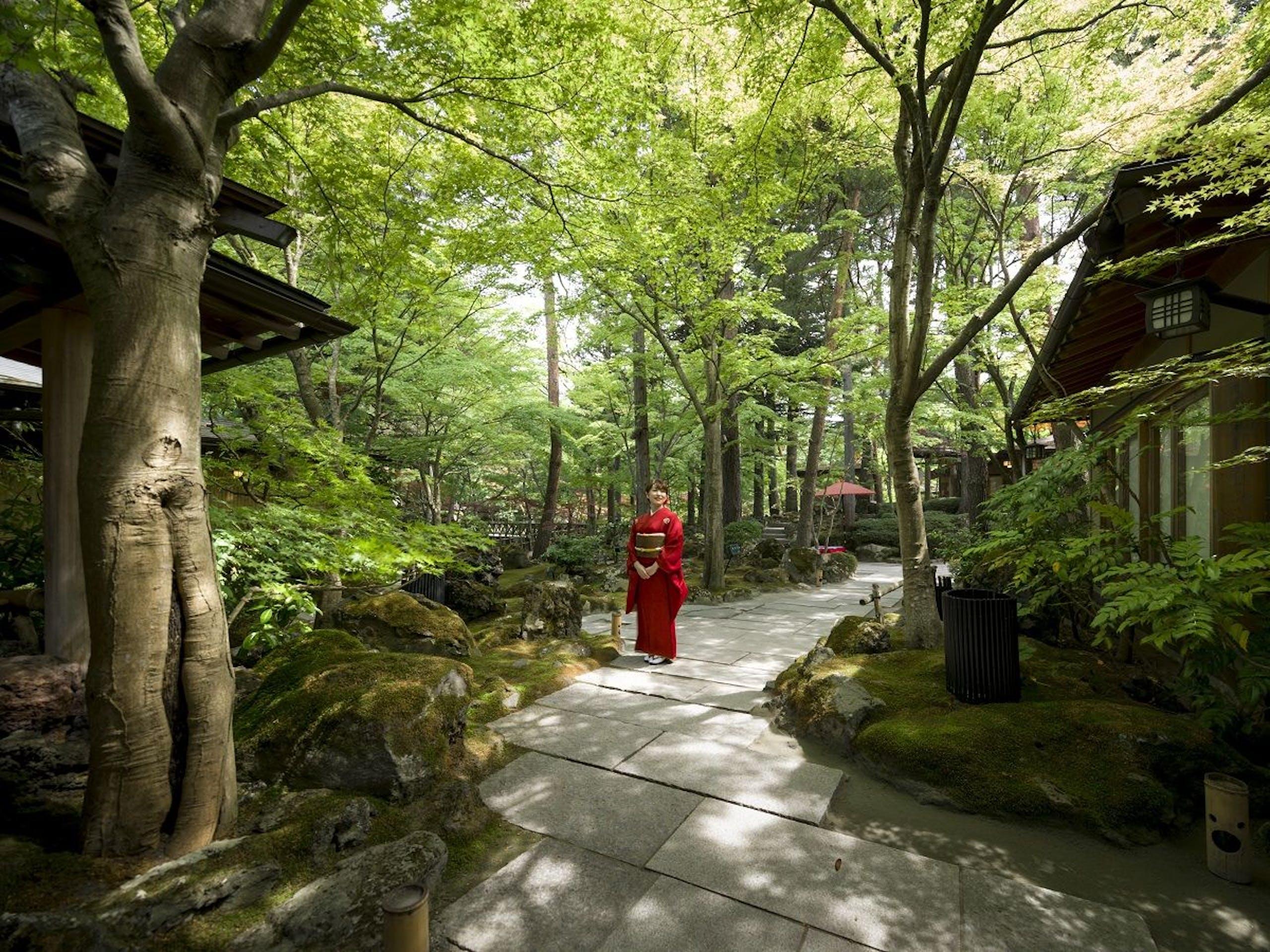 庭園と感動の宿 富士山温泉 ホテル鐘山苑(山梨県富士吉田市)2