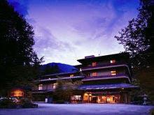 四万温泉で5万円以内の料金で宿泊できて、露天風呂がある宿を探しています。