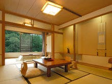 谷川岳を望むスタンダード和室(一例)