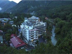 夏休みに四万温泉へ 家族旅行でおすすめのホテルは?