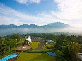 ★客室からチャペル・霧島連山を望む