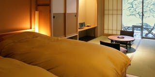 1階 庭園露天風呂付和洋室