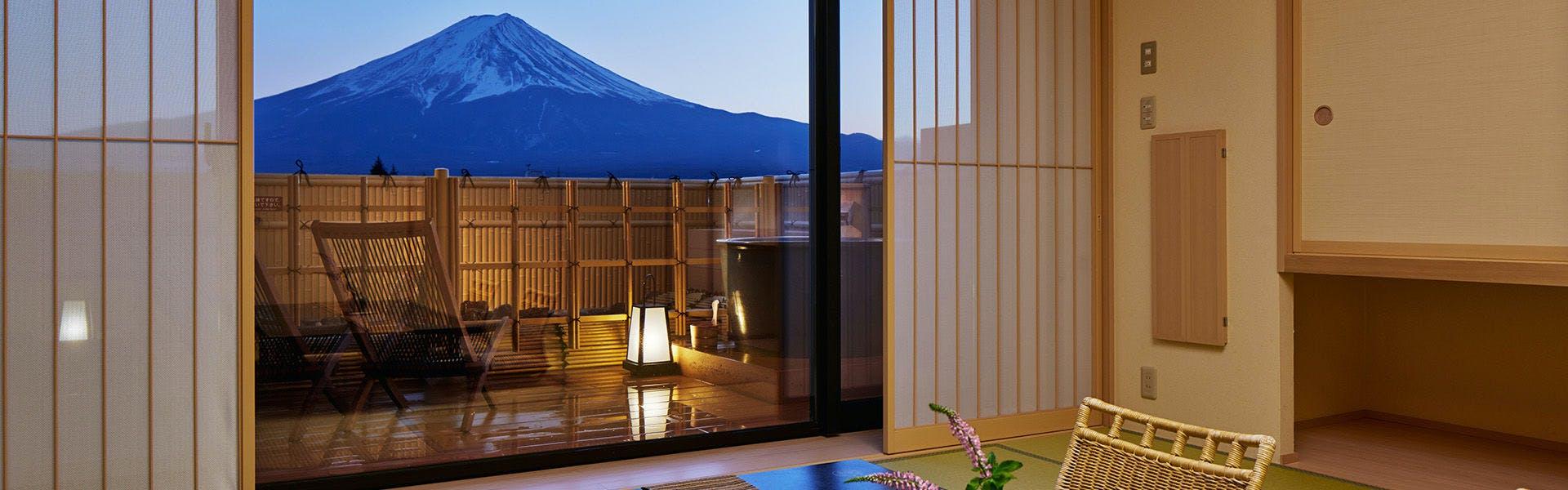 記念日におすすめのホテル・富士河口湖温泉 湖南荘の写真1