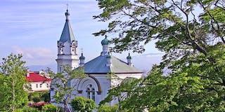 函館ハリストス正教会:おすすめ観光スポットの協会群も、ホテルから徒歩1分の市電で3駅の簡単アクセス。