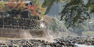 米屋別荘_川側外観