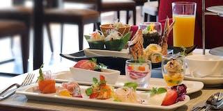 【sakurazaka】全国各地の厳選食材と地元沖縄の旬野菜を取り入れた料理をご用意しております。