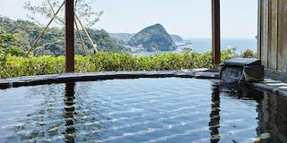 空と海に心を解き放ち、自然との一体感を味わう女性風呂の岩露天