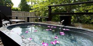 各部屋で愉しむ季節の花風呂
