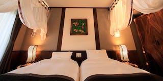 ウブドの森で最も人気の天蓋付きスイートルーム、バリの 高級ホテルを思い出すこだわったお部屋