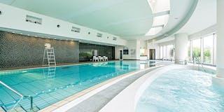 フィットネスクラブ(室内温水プール)