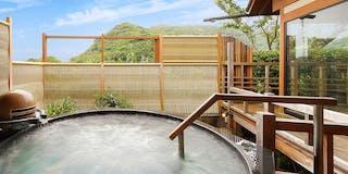 海眺めの露天風呂「風の章・殿方湯」ジャグジー石風呂