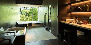 private  spa & bar
