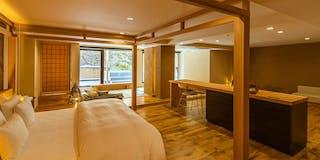 お部屋:然-白樺(1 Room)107平米のお部屋に53平米のテラス(露天風呂付)世界に唯一の杉根のドアが特徴的