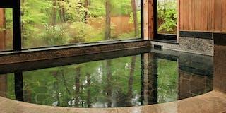檜の香り豊かな大浴場(男風呂)