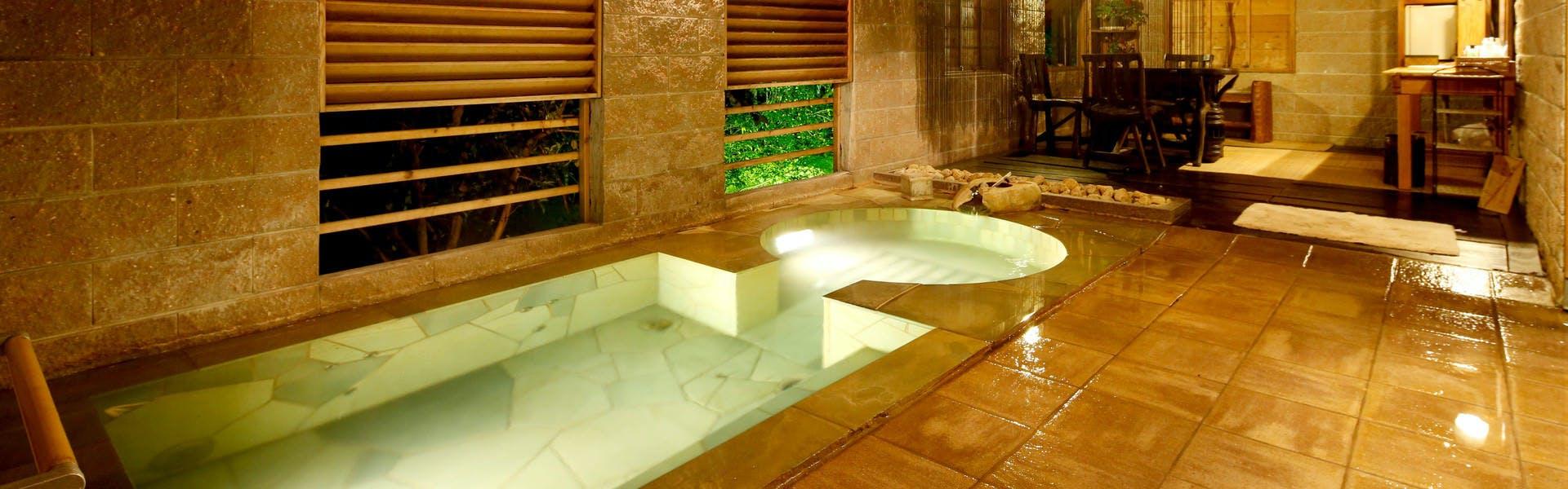 記念日におすすめのホテル・万葉の里 白雲荘の写真2