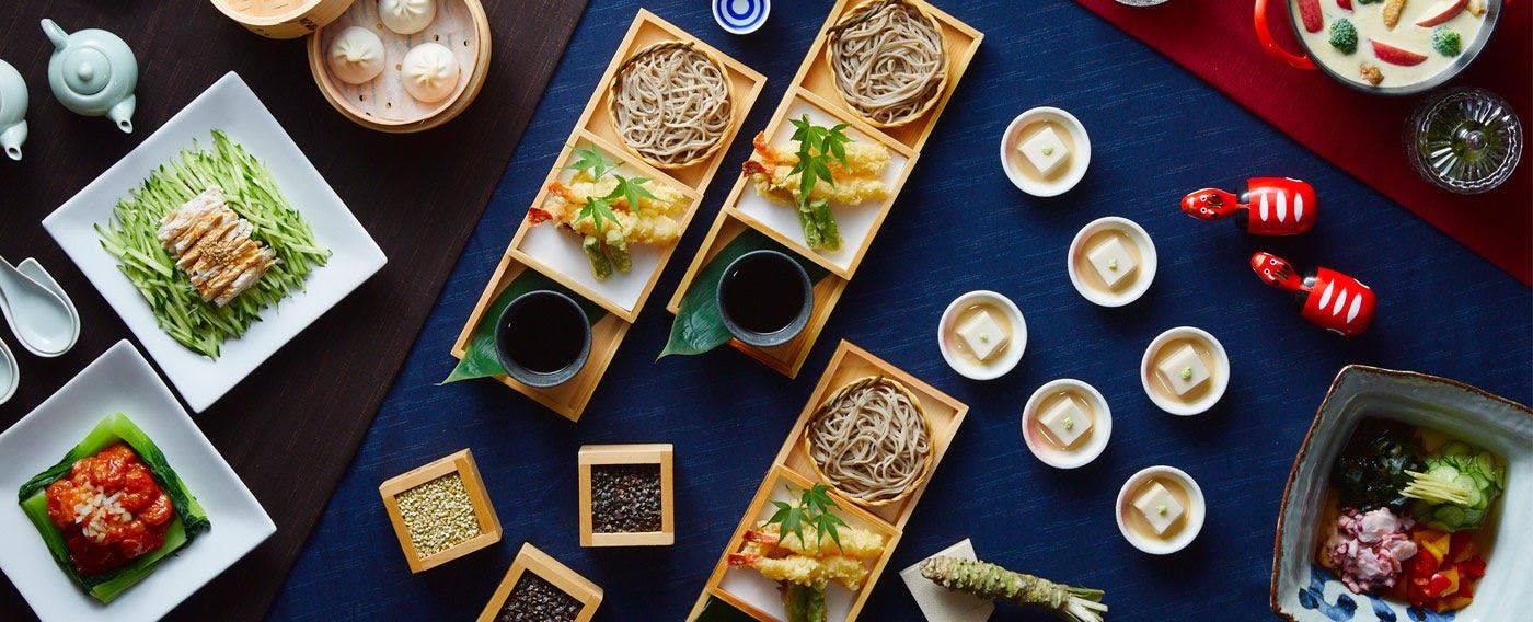 客前で打つお蕎麦と揚げたての天ぷら